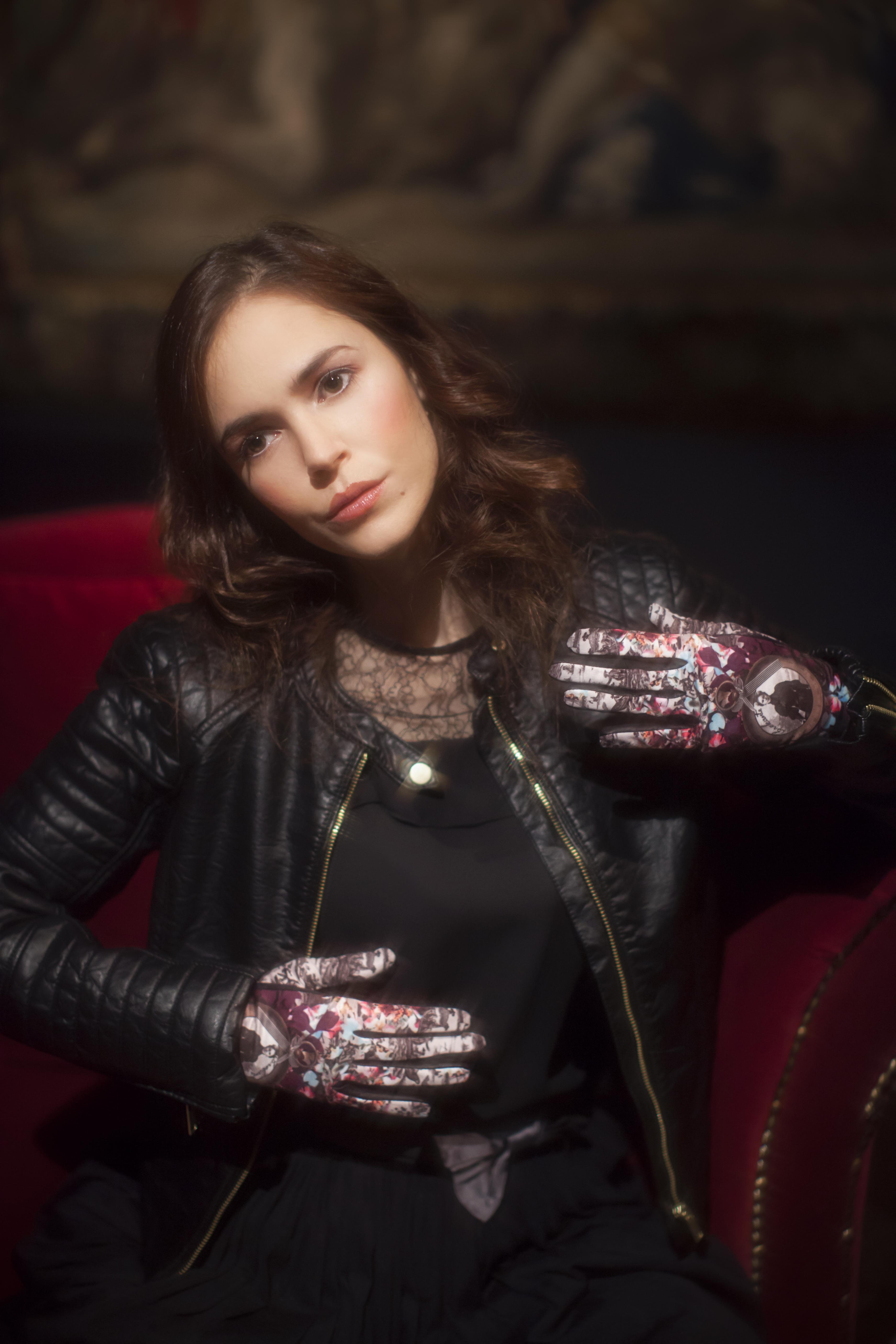gants femme cuir et maille imprimée. Modèle de gants Paul